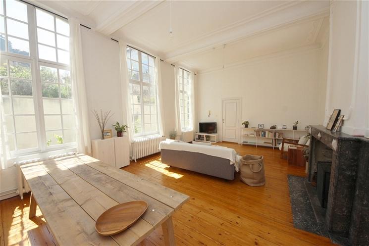 Idyllisch duplex-appartement met 1 slaapkamer in hartje Gent!