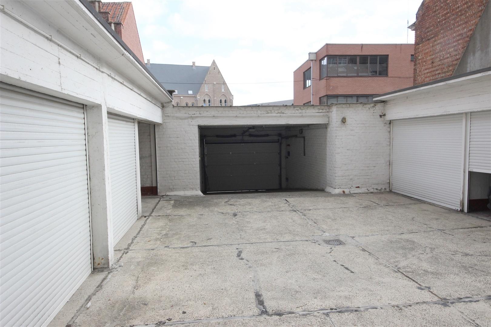 Afgesloten garagebox nabij het Zuid!