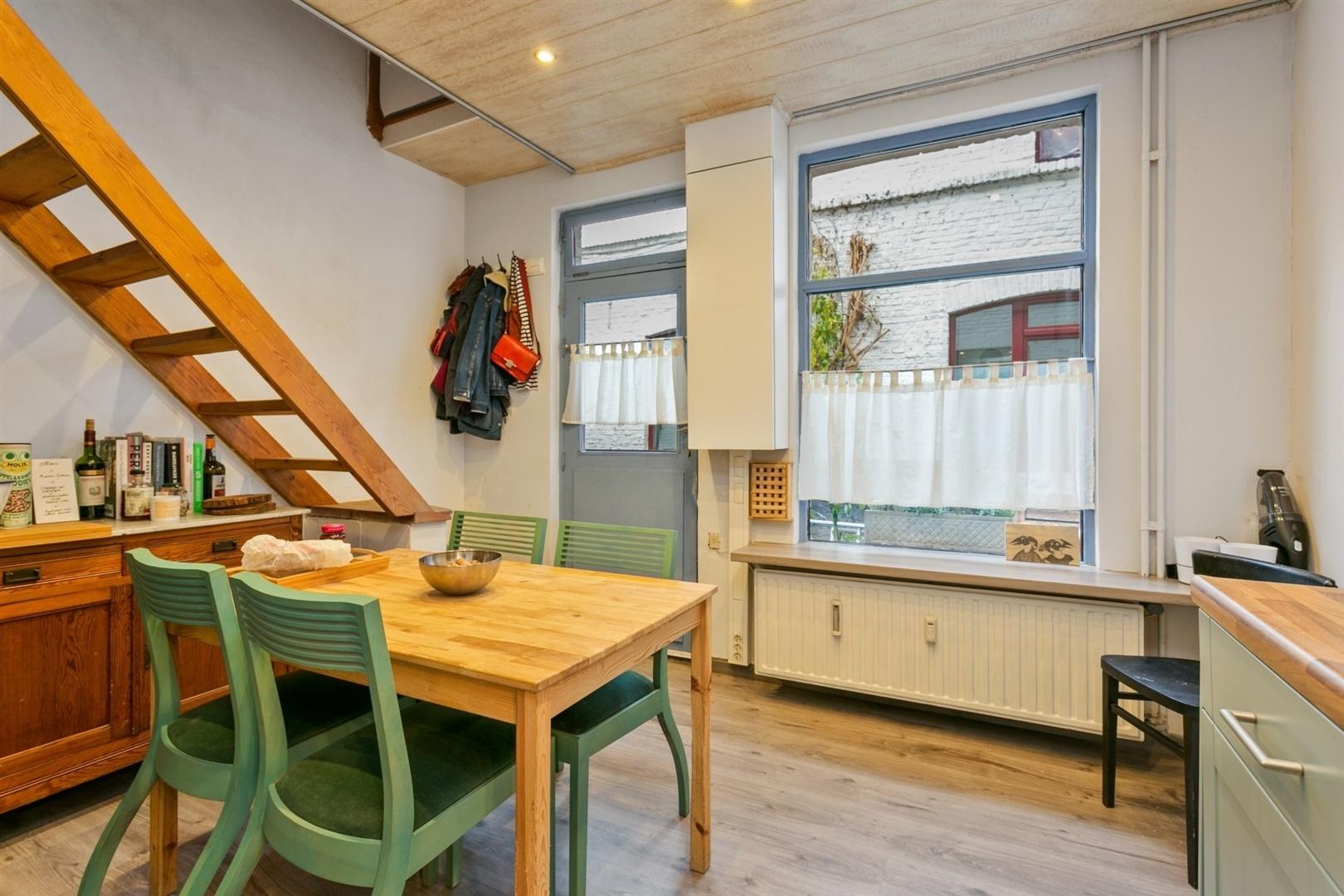 Instapklare woning in aangename steeg - hartje Gent
