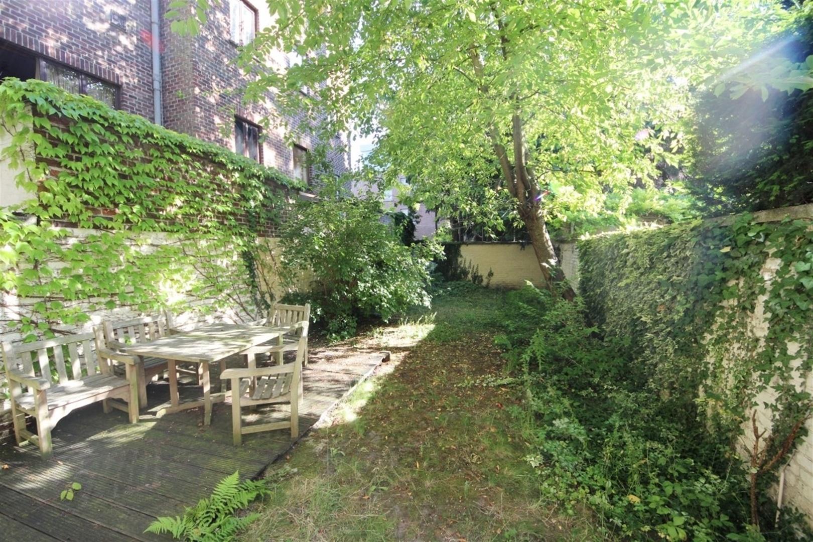 Ruime woning met inpandige garage nabij station Gent-Sint-Pieters
