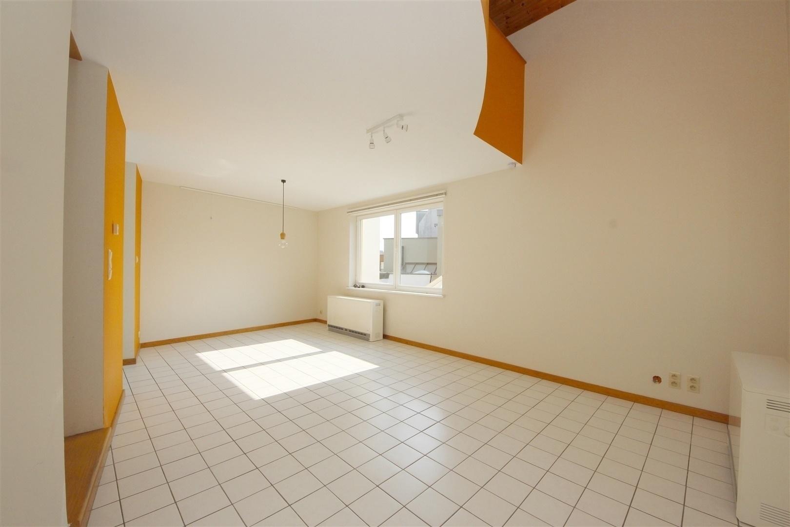 Lichtrijk duplex-appartement nabij het UZ-Gent!