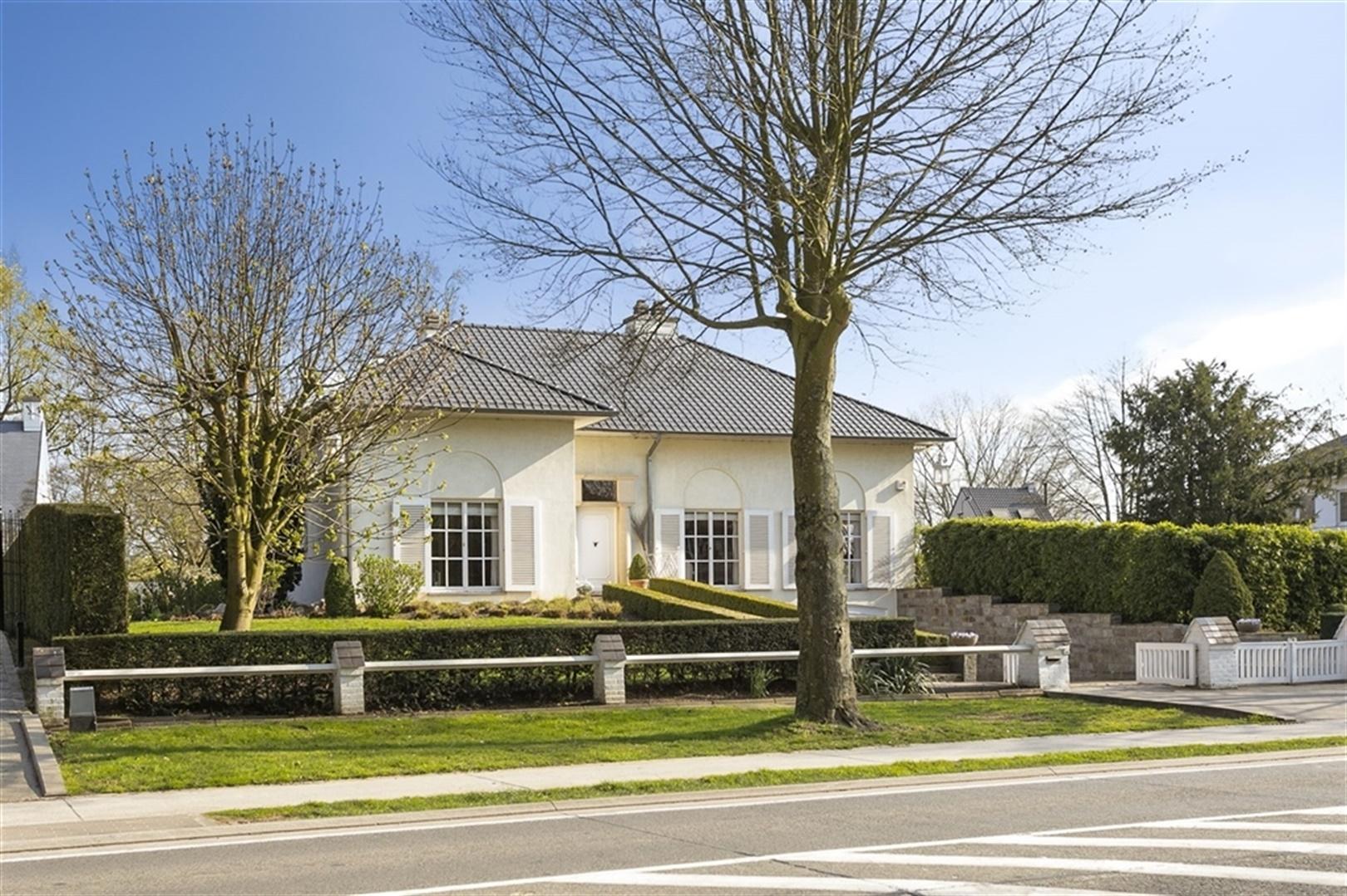 Ruime villa met 2 slaapkamers en prachtige tuin