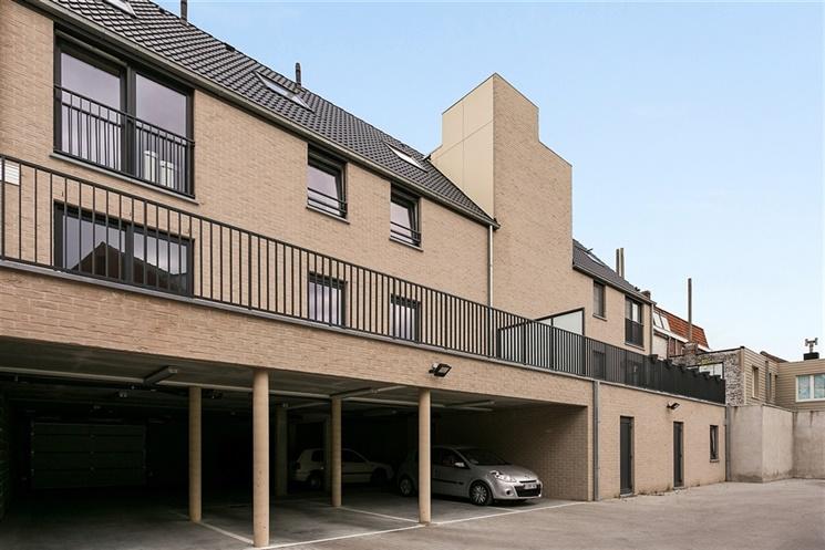 Ruime penthouse met 3 slaapkamers te Kortrijk