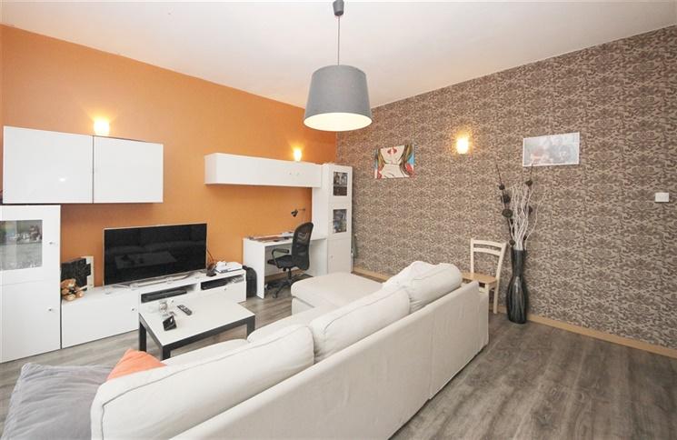 Lichtrijk appartement met terras nabij belangrijke invalswegen te Gent!