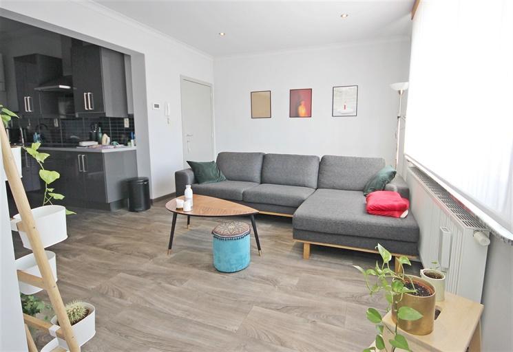 Aangenaam duplex-appartement met 2 slaapkamers nabij Botermarkt te Ledeberg!