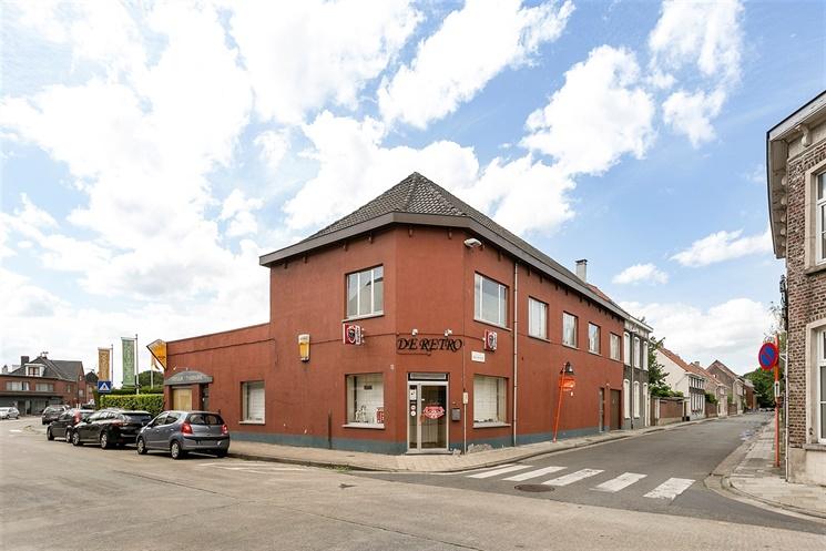 Handelshuis + 2 appartementen op een centrale locatie