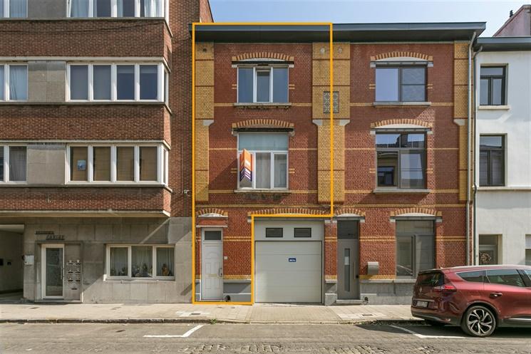 Bel-etage woning met 2 slaapkamers in de rand van Gent