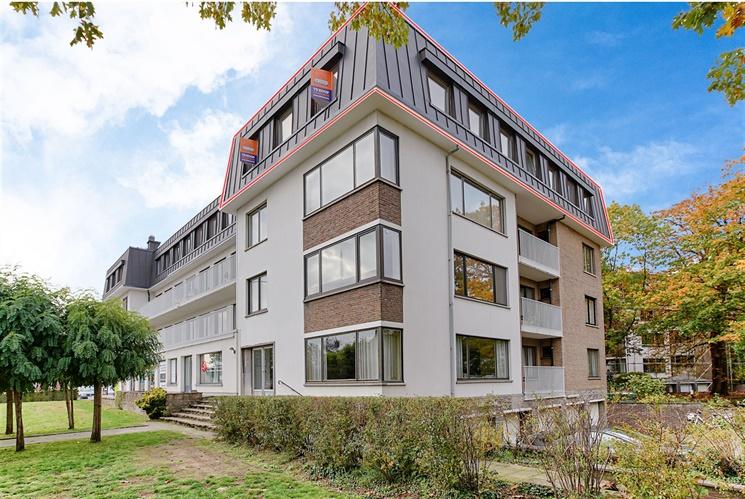 Ruim appartement met 3 slaapkamers en gemeenschappelijke tuin