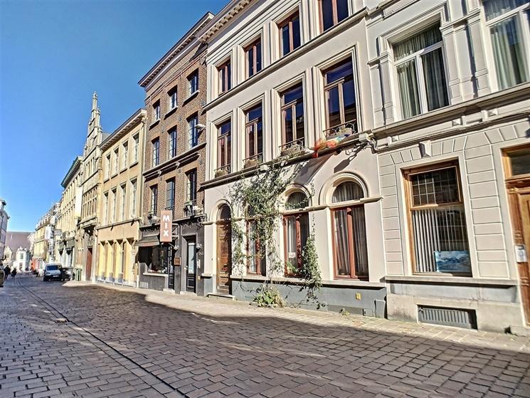 Aangenaam duplex-appartement met mezzanine in centrum Gent!