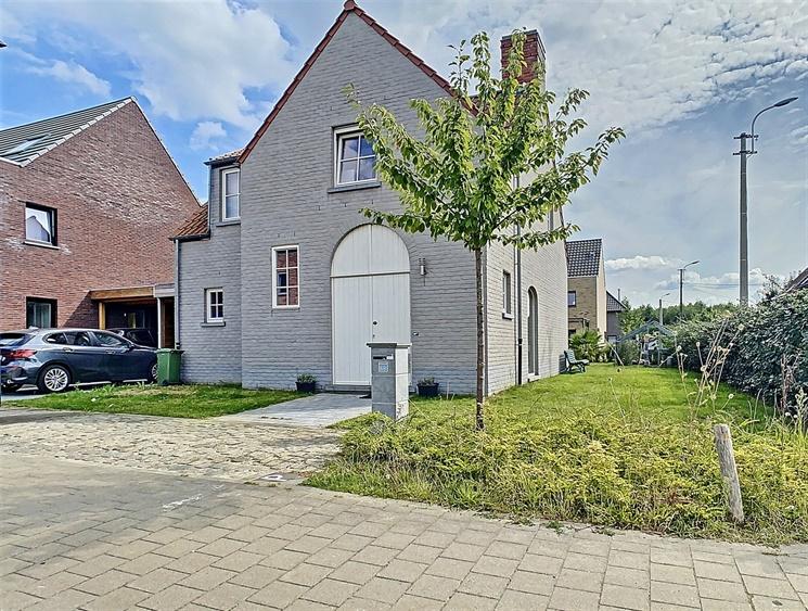 Pastoriewoning met tuin op gunstige locatie nabij de Gentbrugse Meersen!
