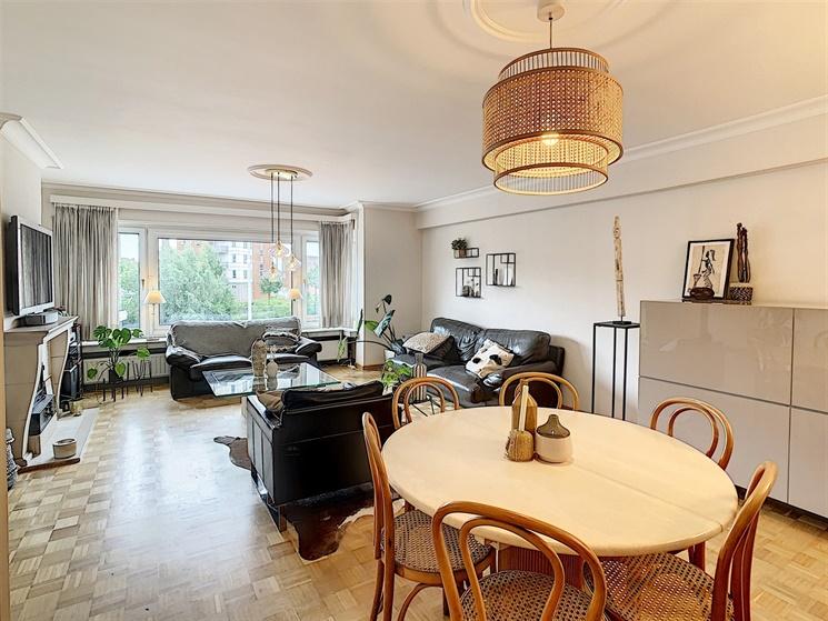 Lichtrijk appartement met terras vlakbij de Visserij!