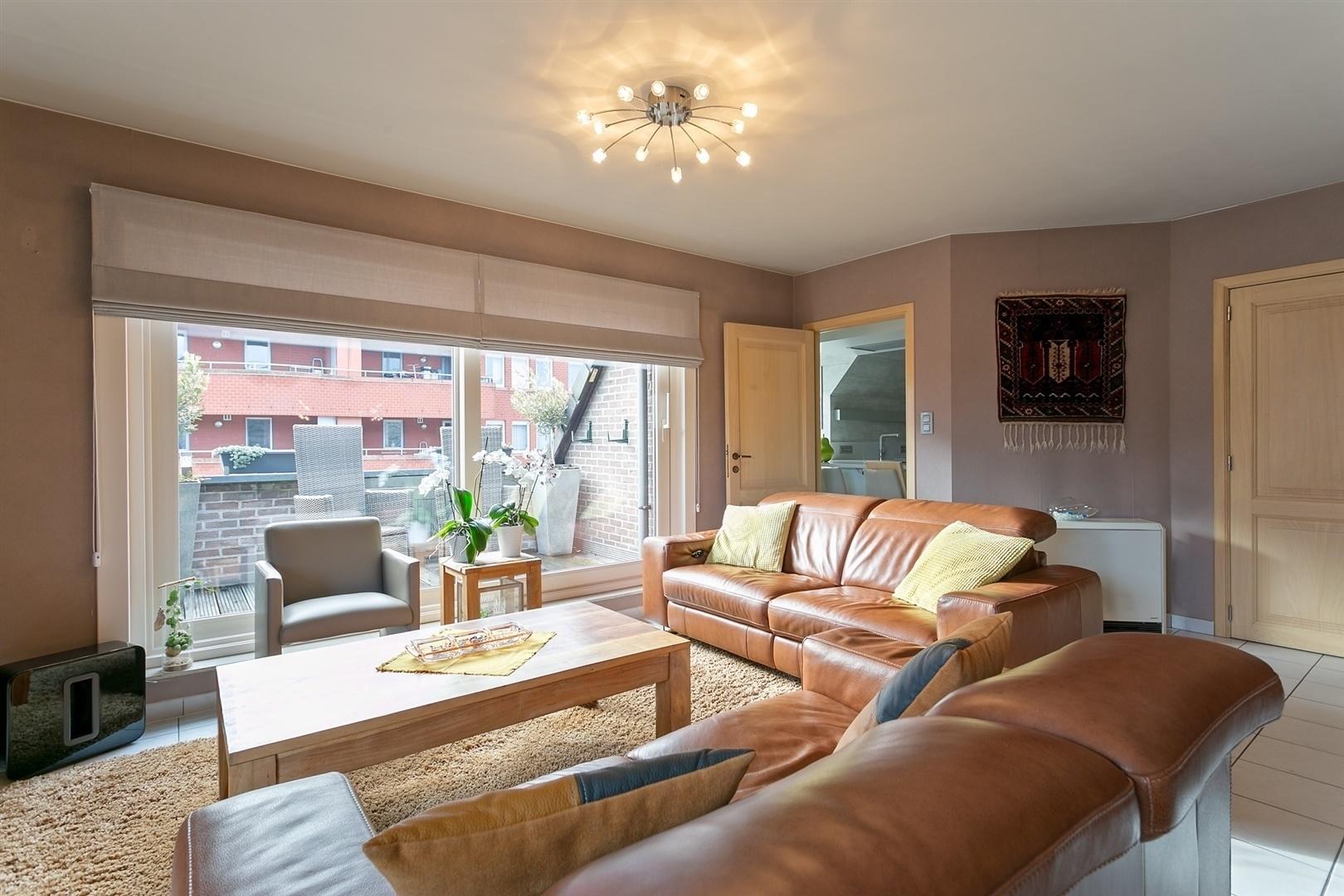 Ruim appartement met 3 slpk en terras