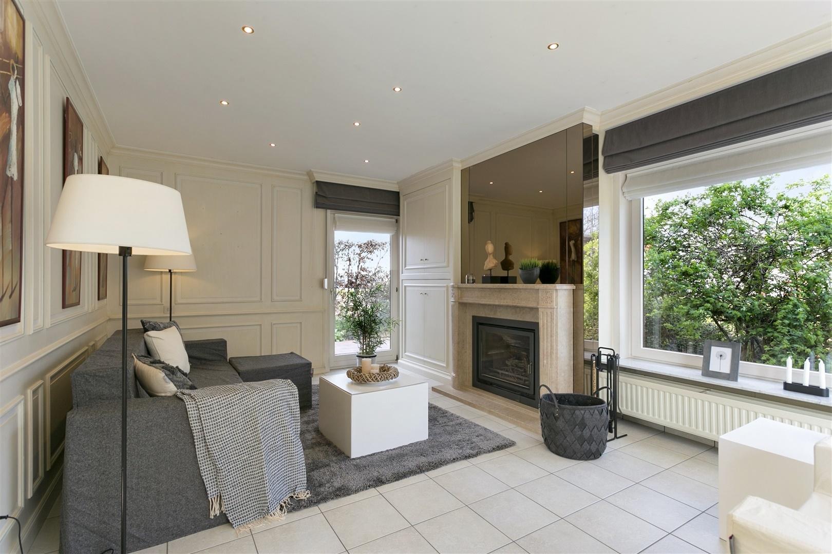 Halfopen, instapklare woning in residentiële buurt te Gent