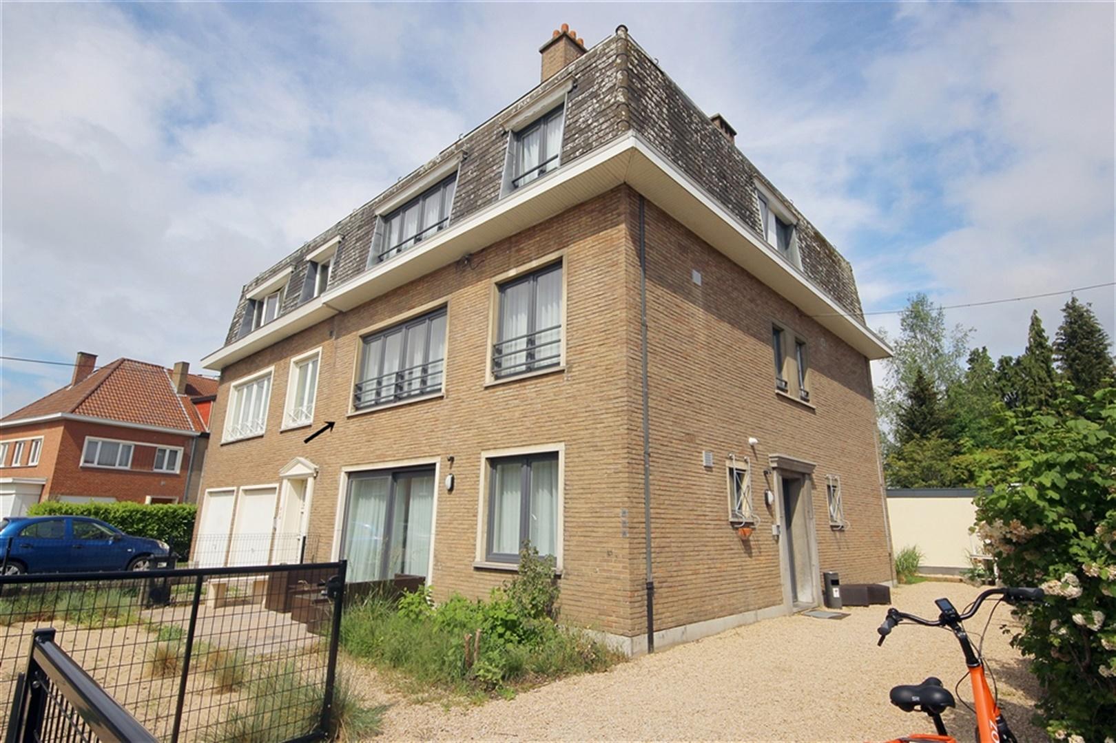 Gemeubeld appartement in rustige buurt te Sint-Amandsberg!