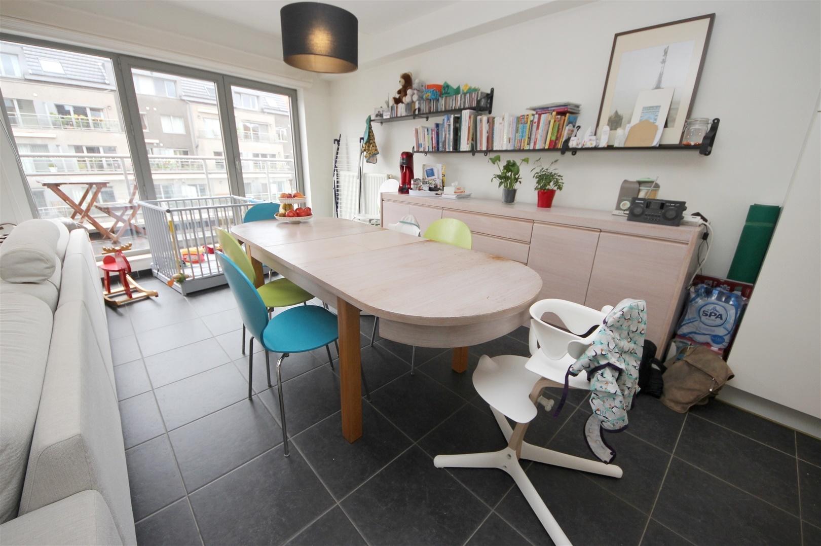 Instapklaar 2-slaapkamer appartement op wandelafstand van Gent-Centrum