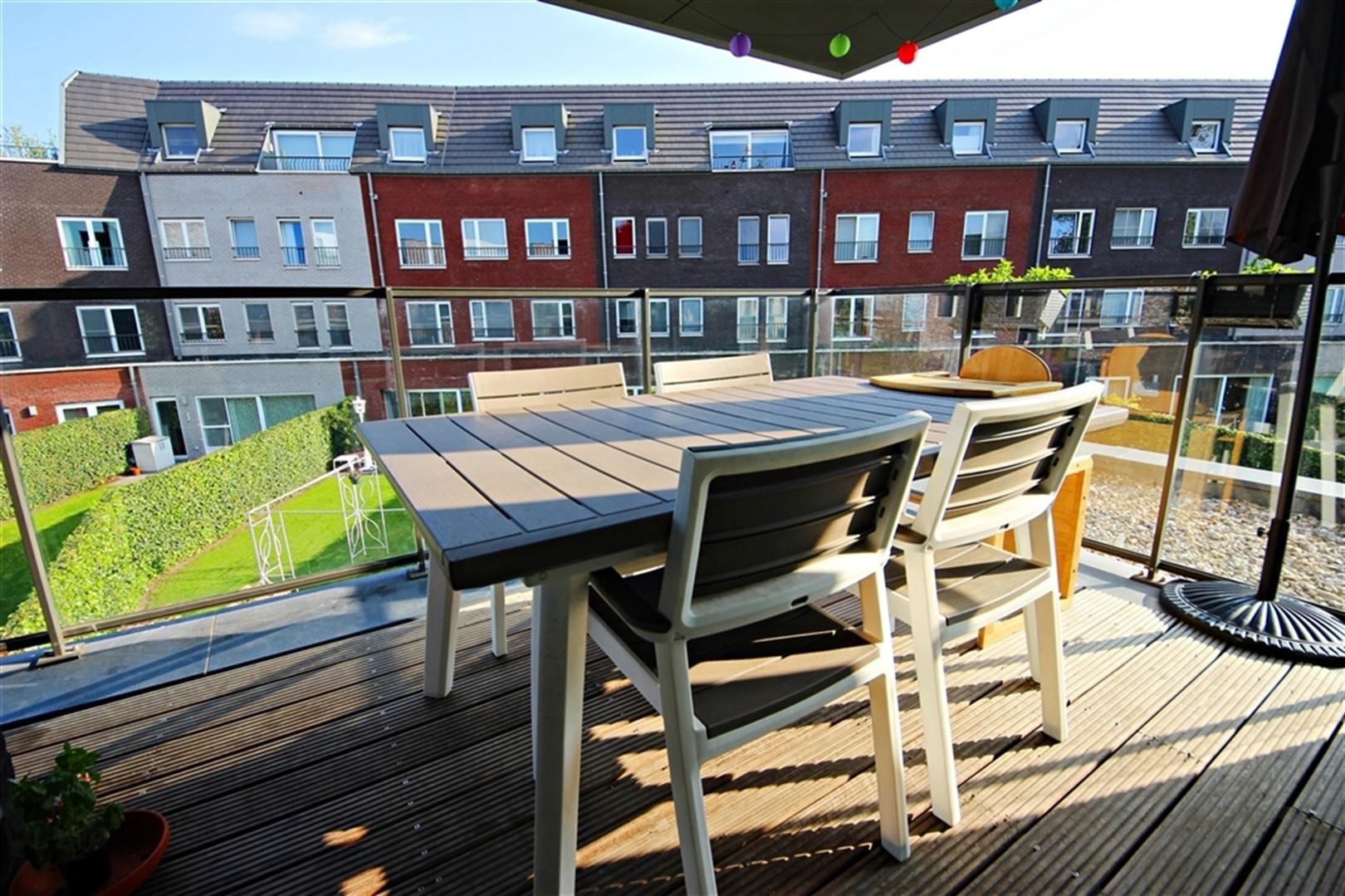Aangenaam appartement met terras vlakbij het centrum!