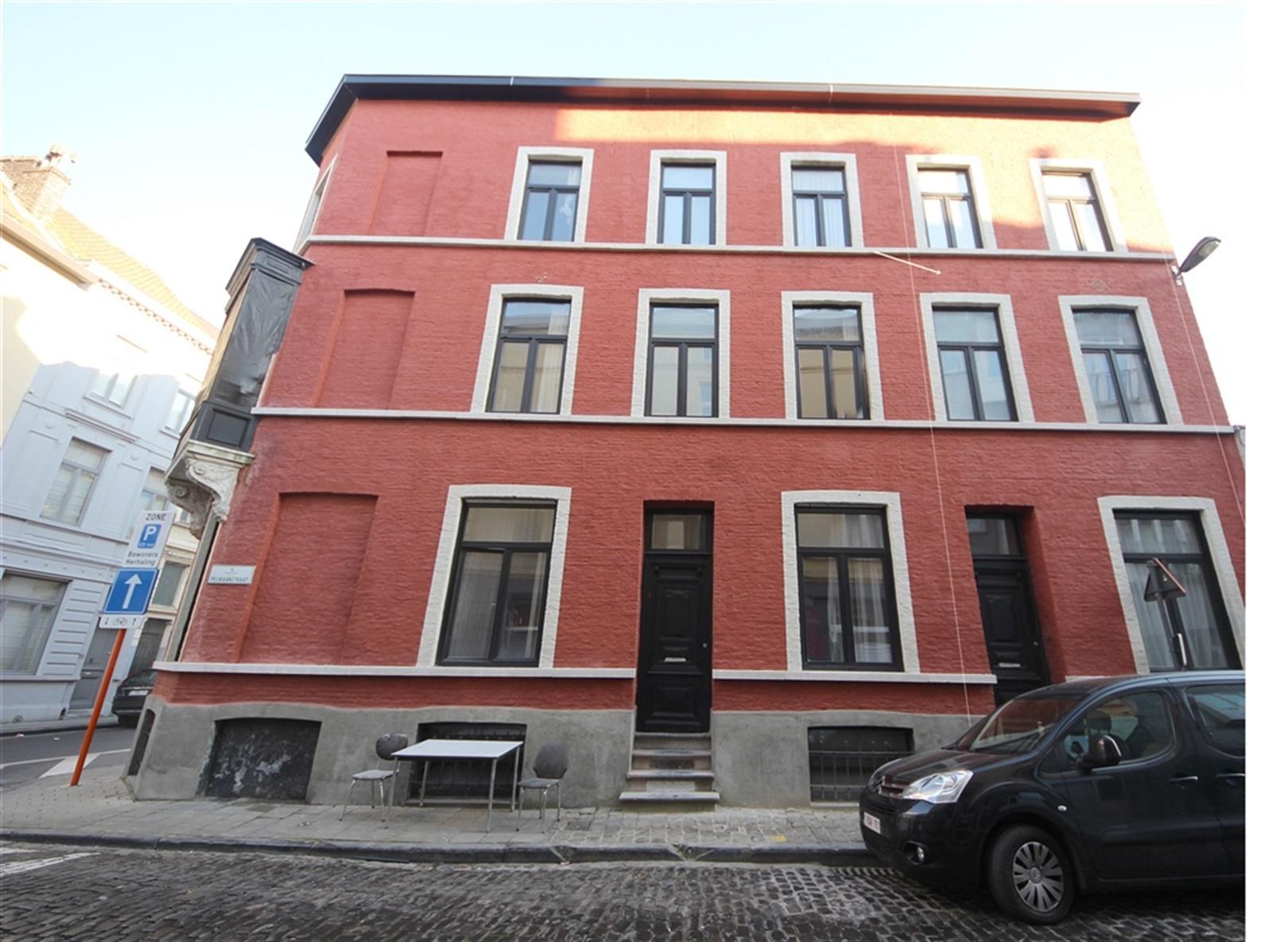 Gerenoveerde herenwoning met 3 slaapkamers in hartje Gent.