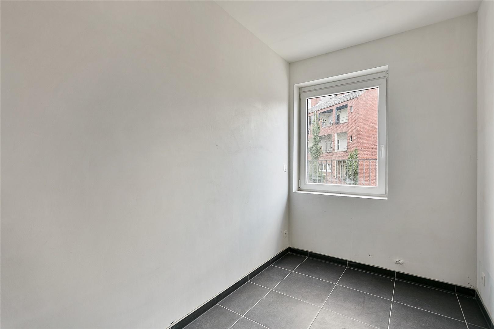 Lichtrijk 2-slaapkamer appartement met 2 terrassen te Kortrijk