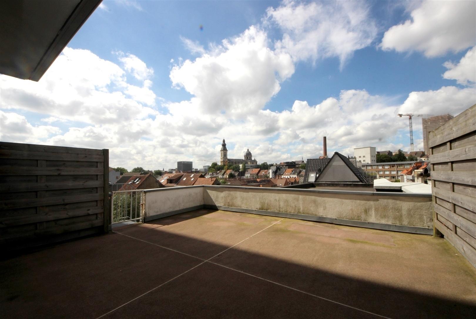 Ruim 3-slaapkamer appartement met zicht op Zuidpark