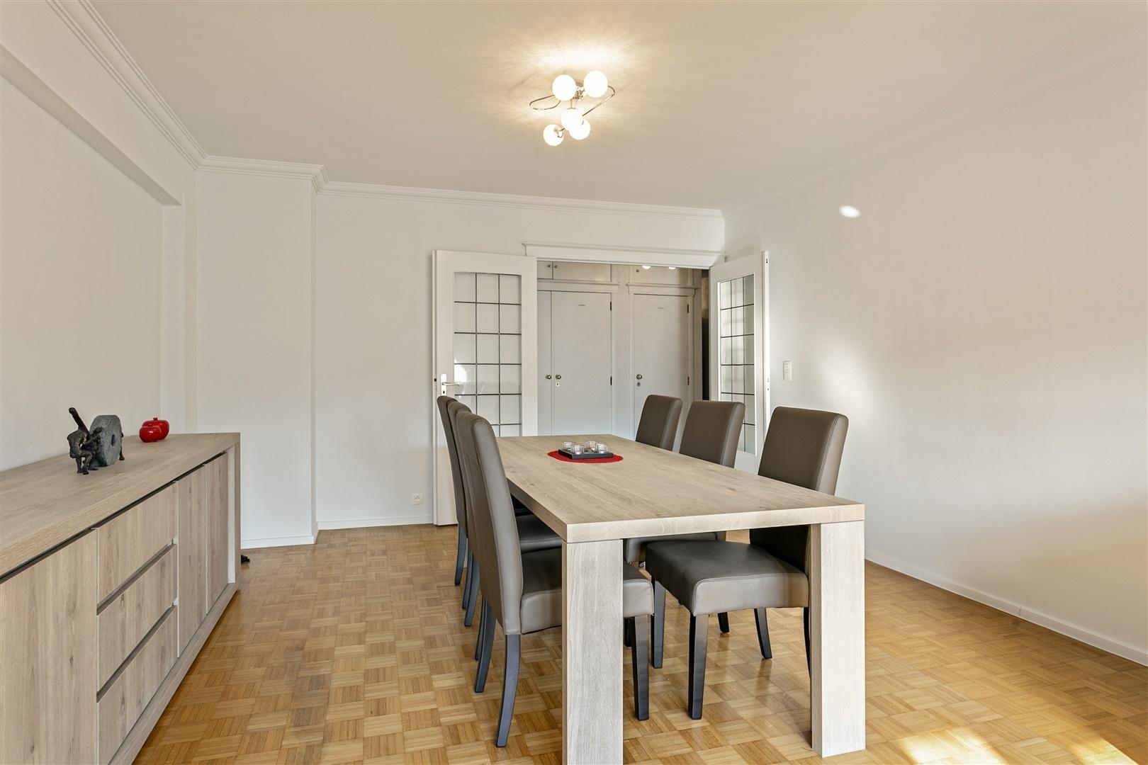 Instapklaar & gerenoveerd appartement met 3 slpk!