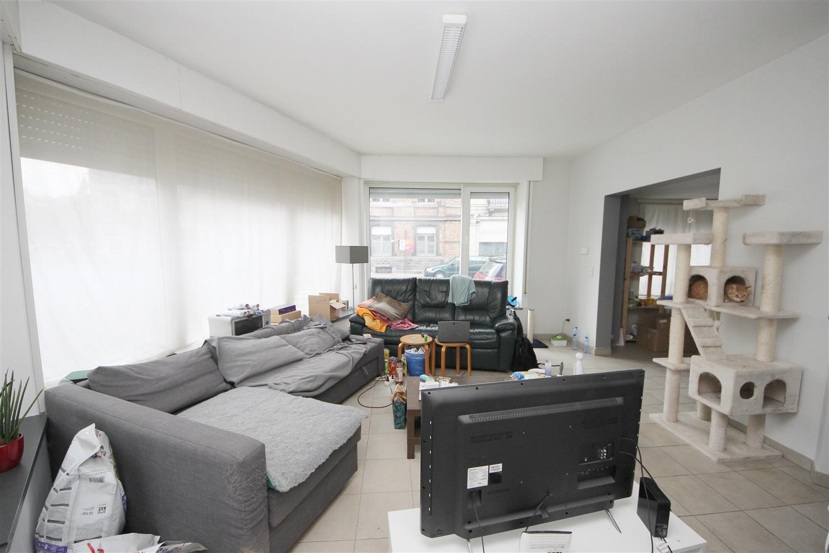 Goed gelegen gelijkvloers-appartement  nabij het Zuid!