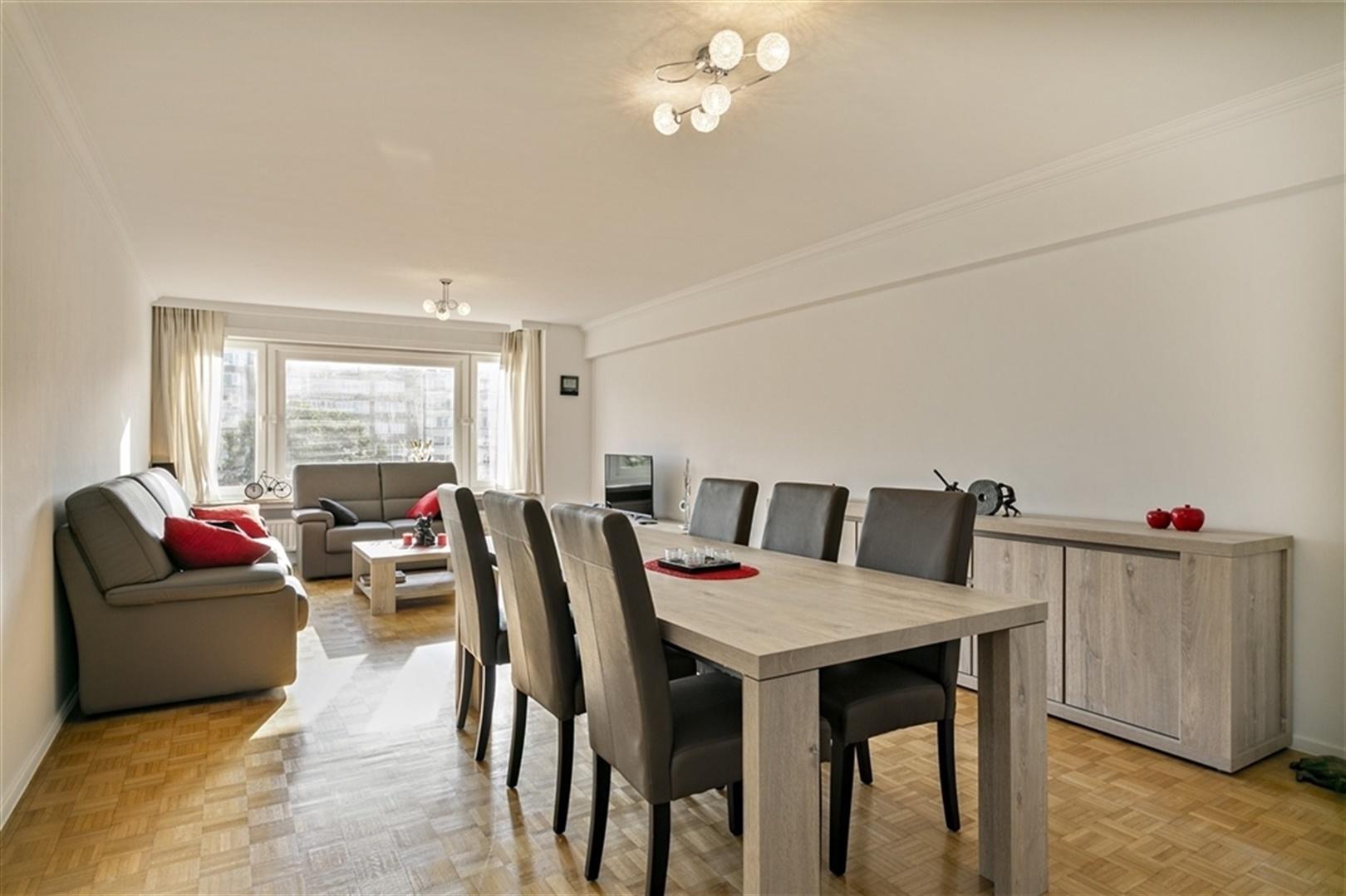 Instapklaar en gerenoveerd appartement met 3 slpk!
