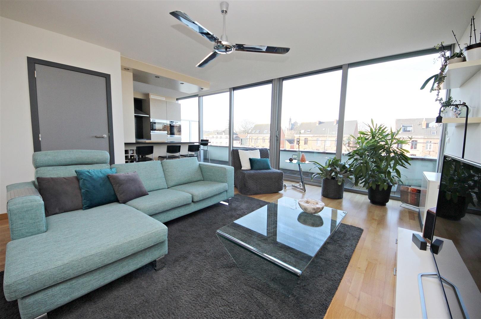 Lichtrijk duplex-penthouse met zicht op de Visserij en garagebox inclusief!