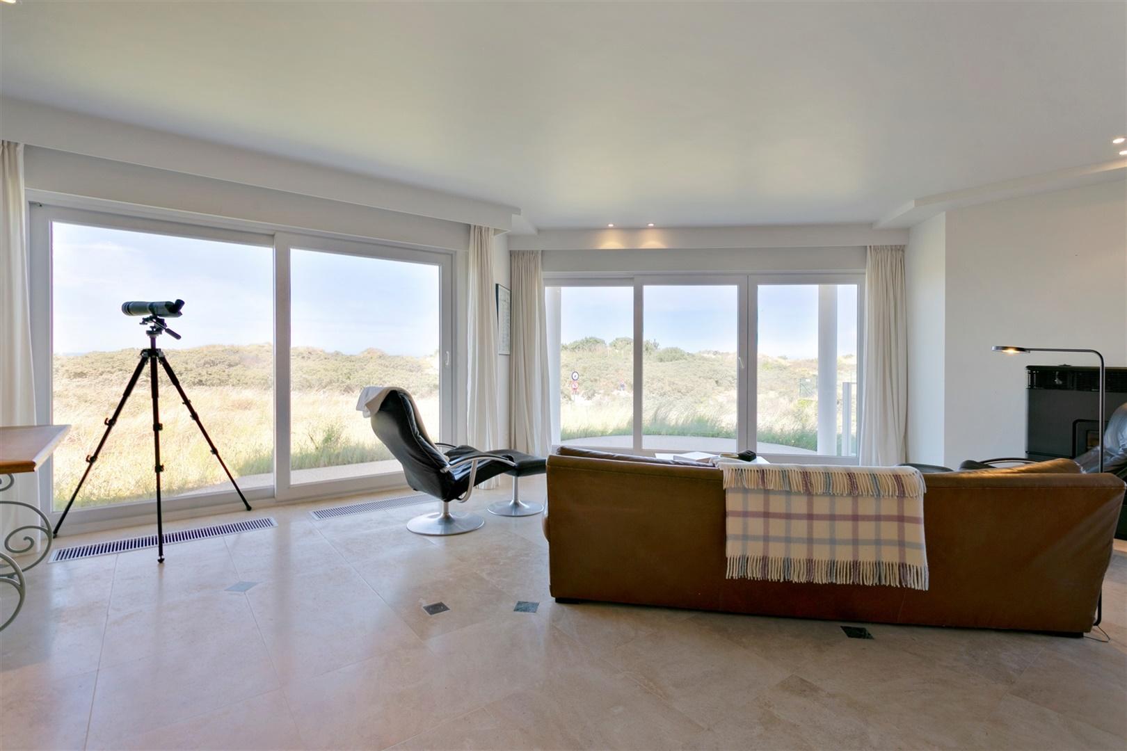 Ruim appartement met 4 slpk's en prachtig zee- en duinenzicht