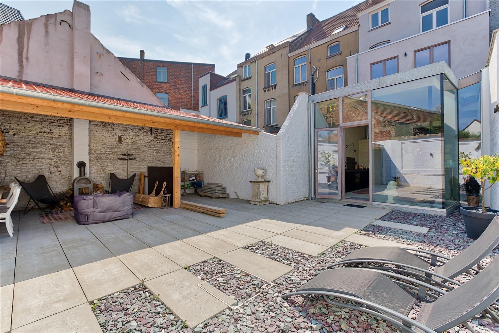 Uniek gerenoveerde burgerwoning met ruime stadstuin in Gent
