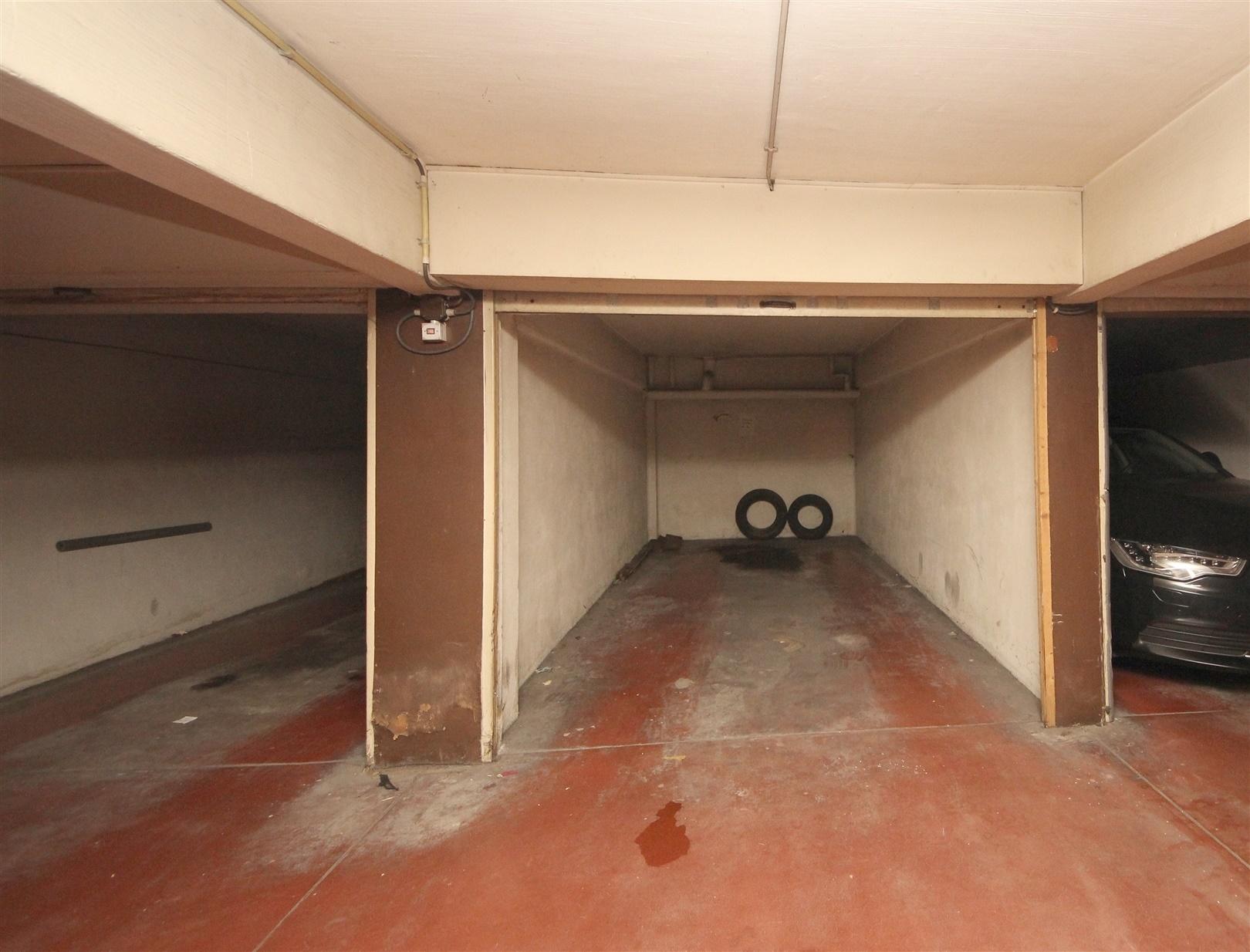 Afgesloten garagebox in centrum Gent