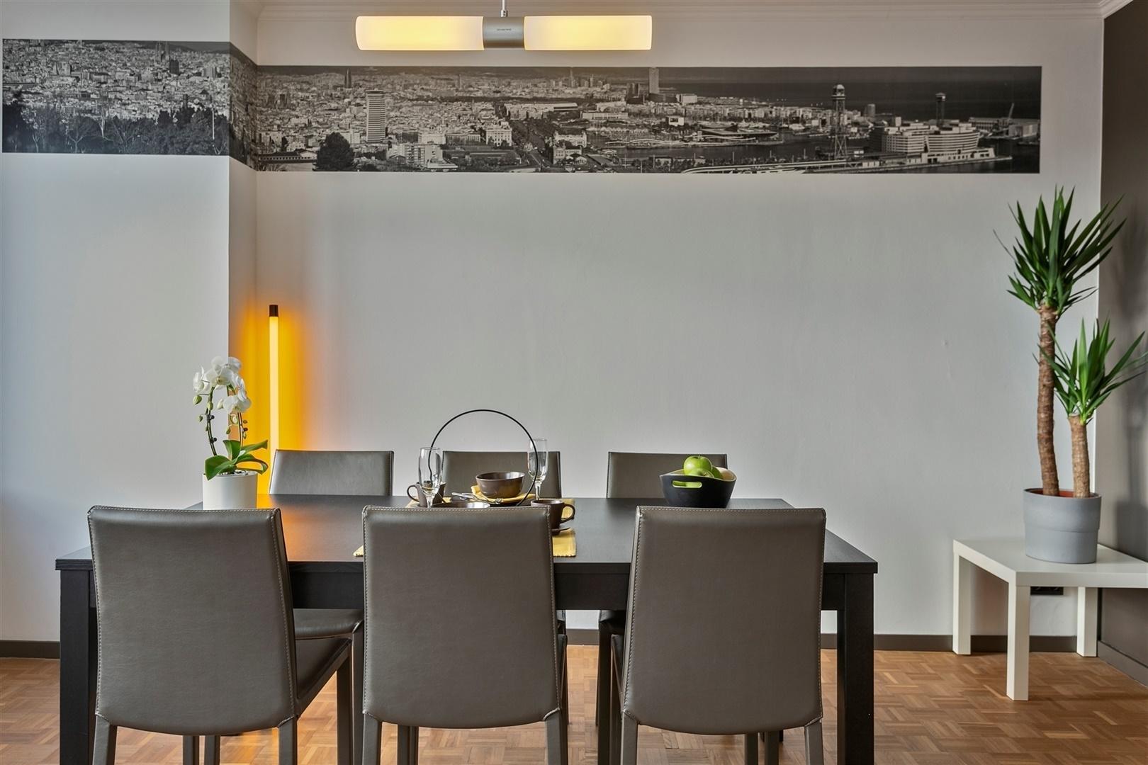 Gerenoveerde penthouse in de stationsbuurt Gent-Sint-Pieters