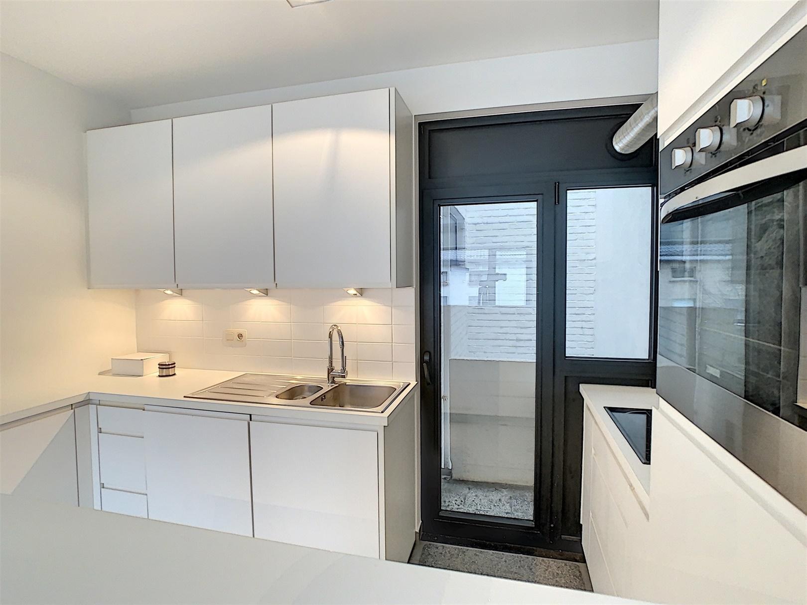 Lichtrijk appartement met 2 slaapkamers nabij Portus Ganda