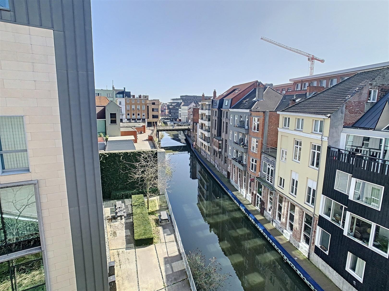 Uniek penthouse met terras aan de Kouter!