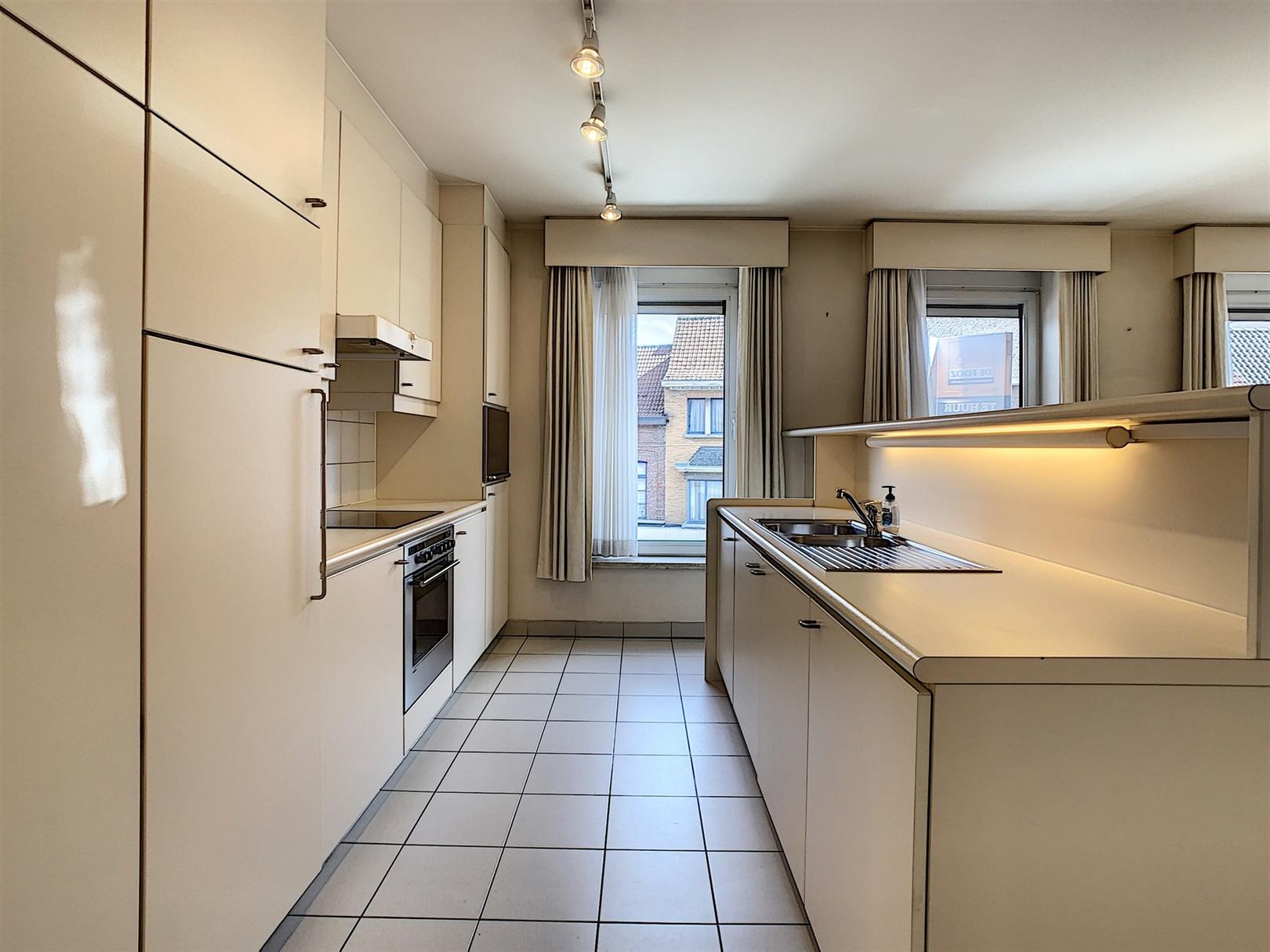 Zonnig appartement nabij station Gent-Dampoort!