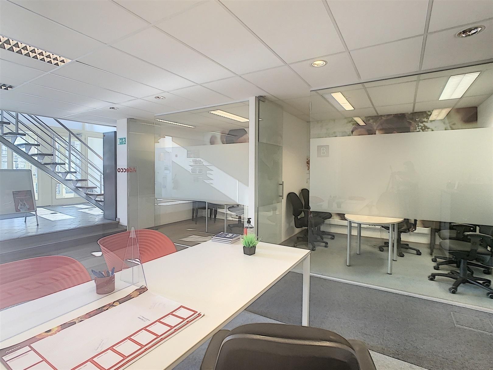 Gelijkvloers kantoor van 430m² op toplocatie aan Gent-Zuid!