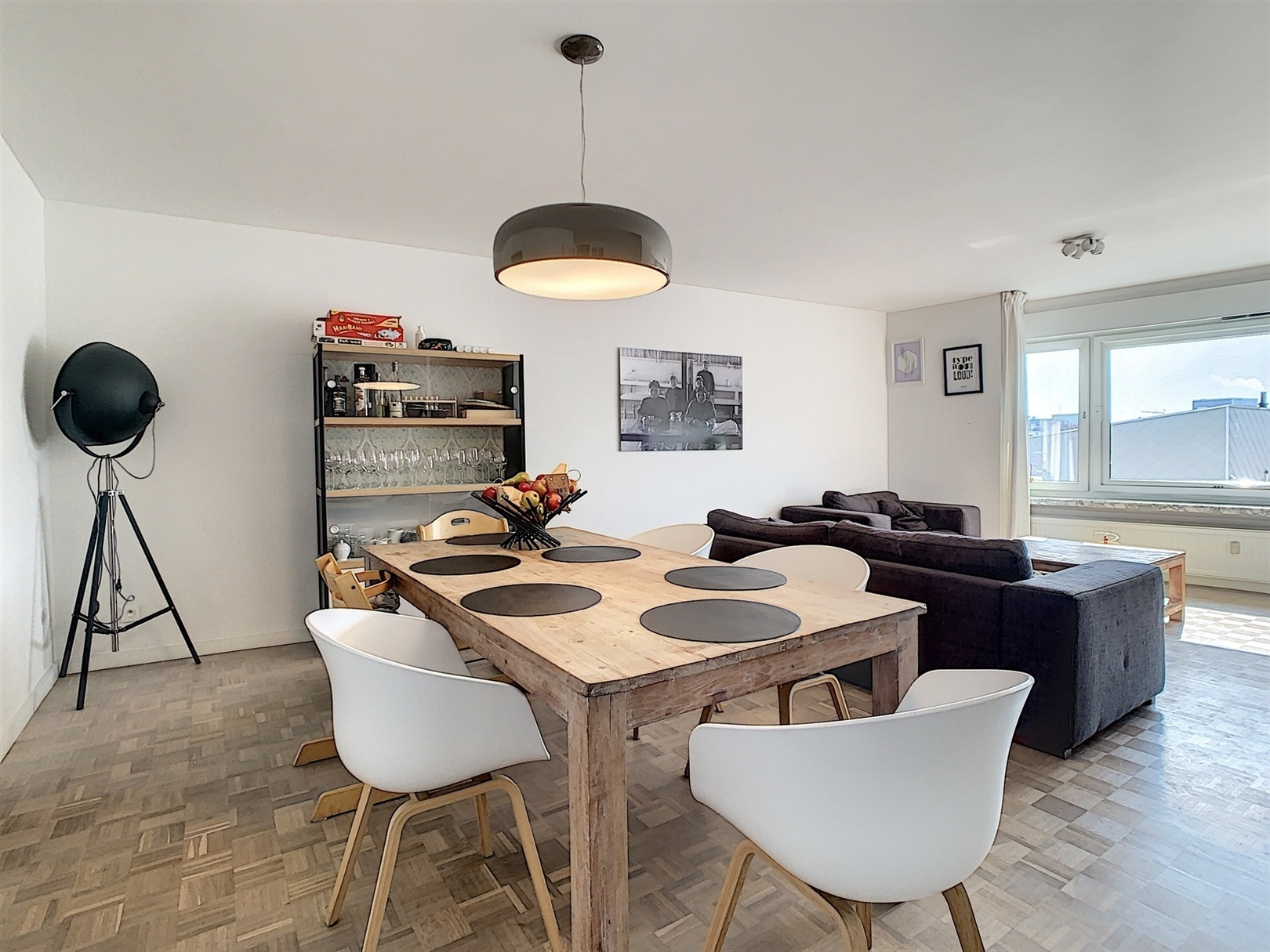 Recent gerenoveerd 3 slaapkamer appartement nabij Gent Zuid!