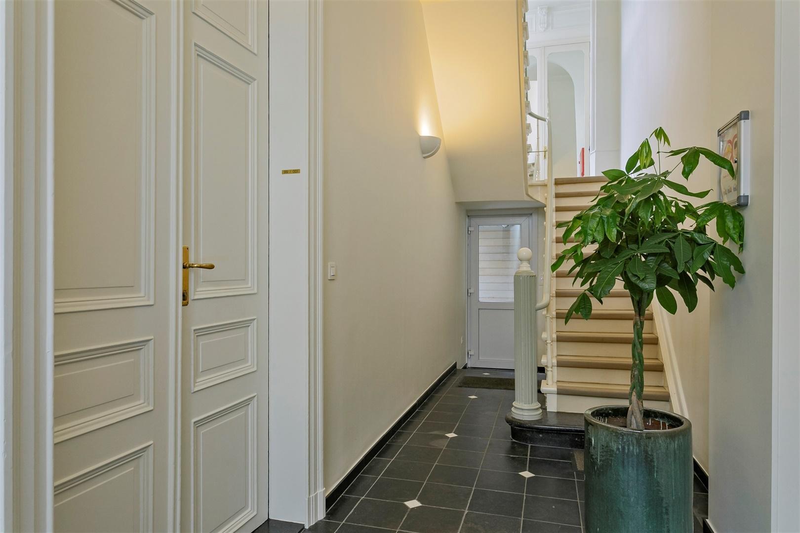 Authentiek appartement in karaktervol herenhuis