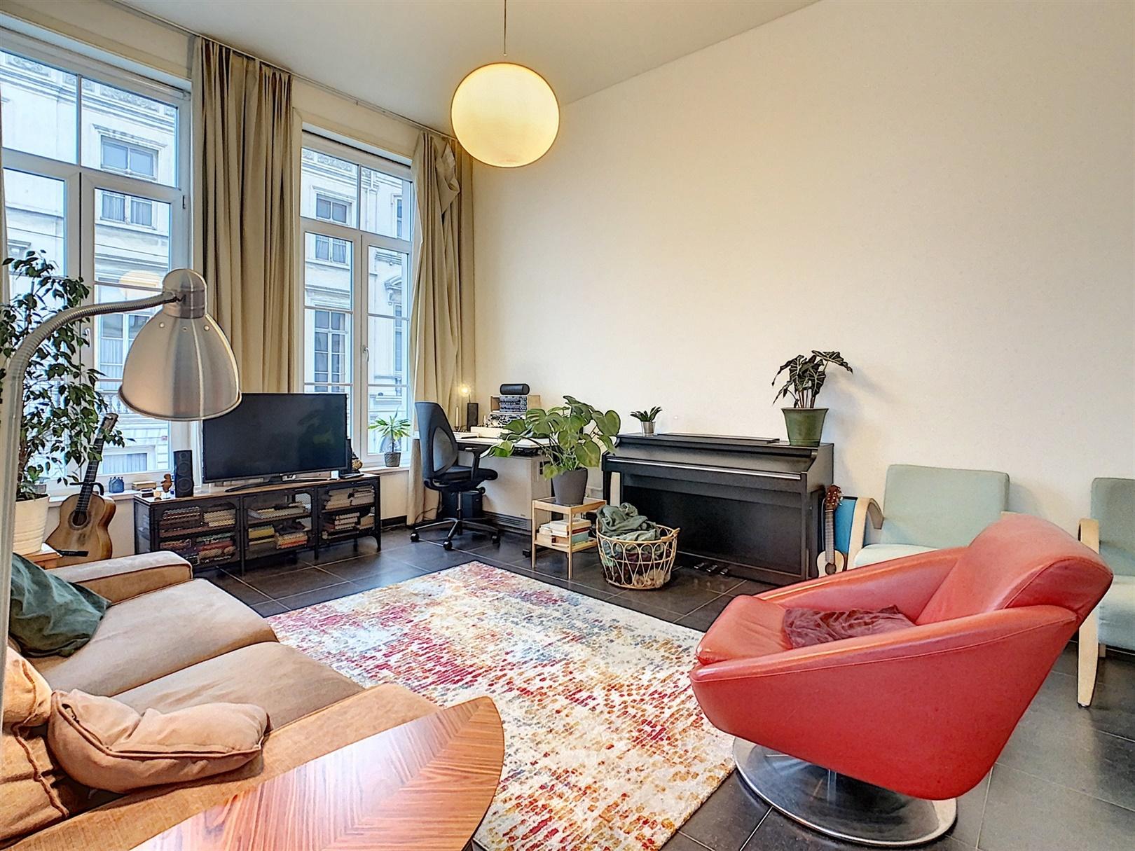 Gerenoveerd appartement met 1 slaapkamer te Gent centrum