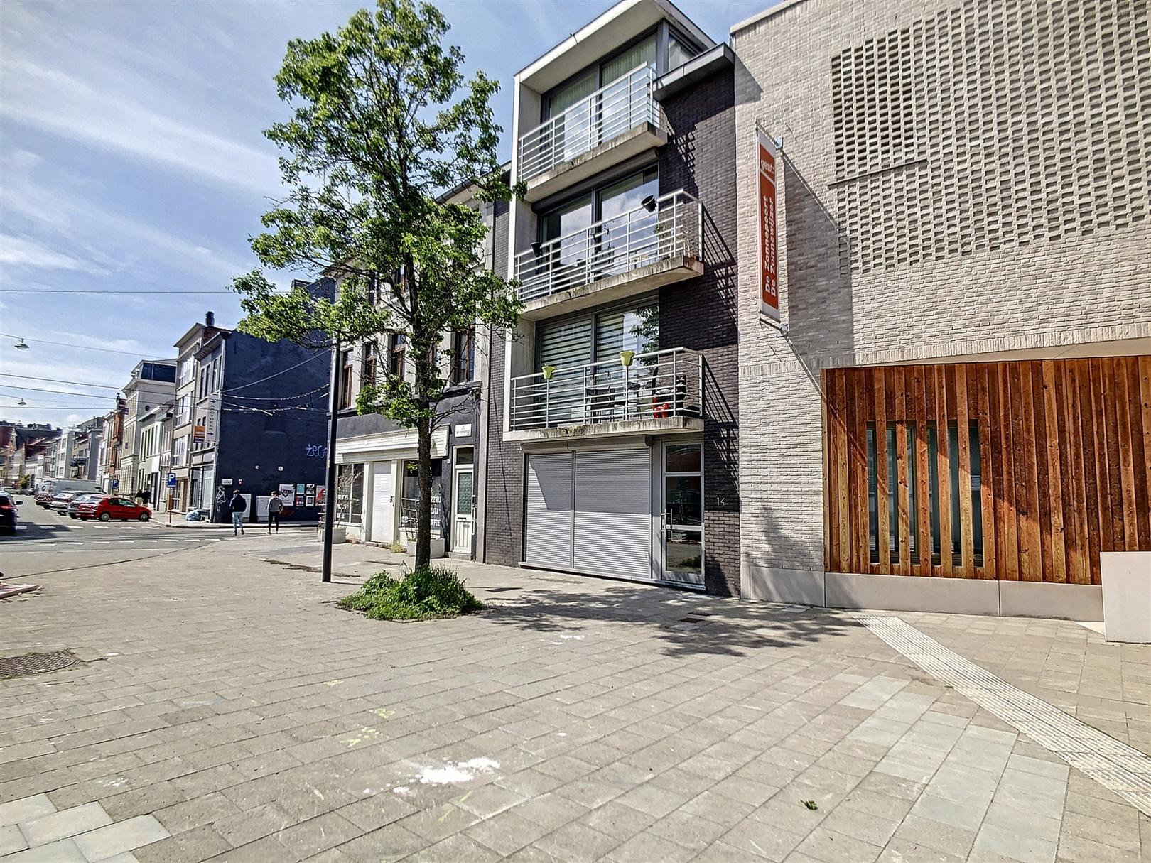 Appartement met zonnig stadsterras en 2 slaapkamers