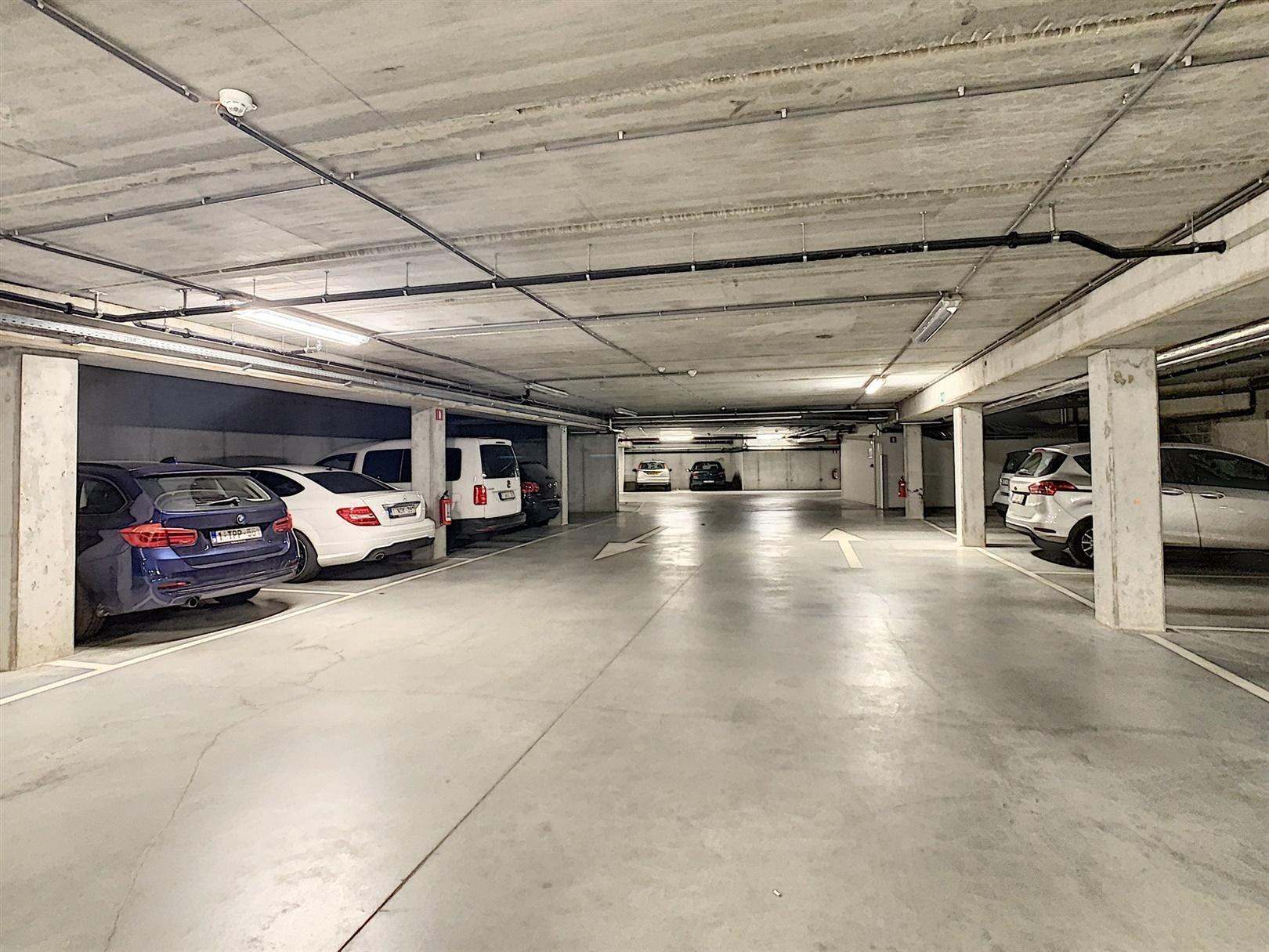 Overdekte parkeerplaatsen te koop nabij centrum Gent