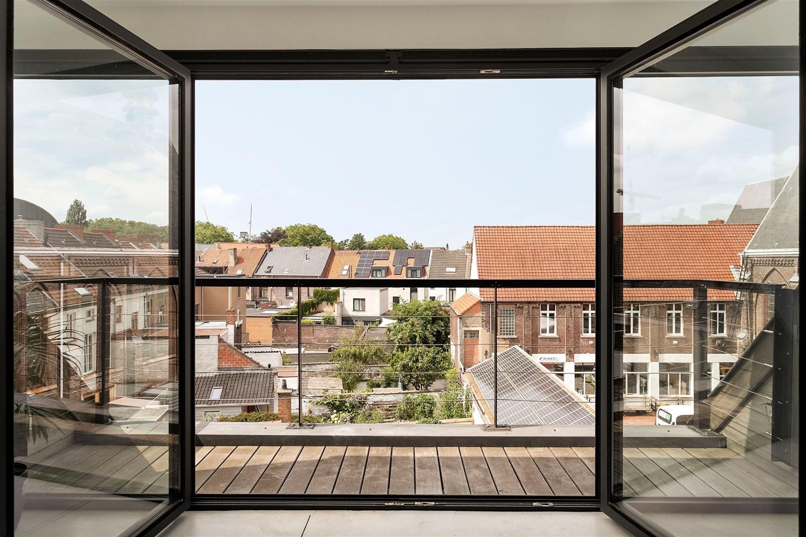 Lichtrijk appartement met 2 slaapkamers te Gentbrugge