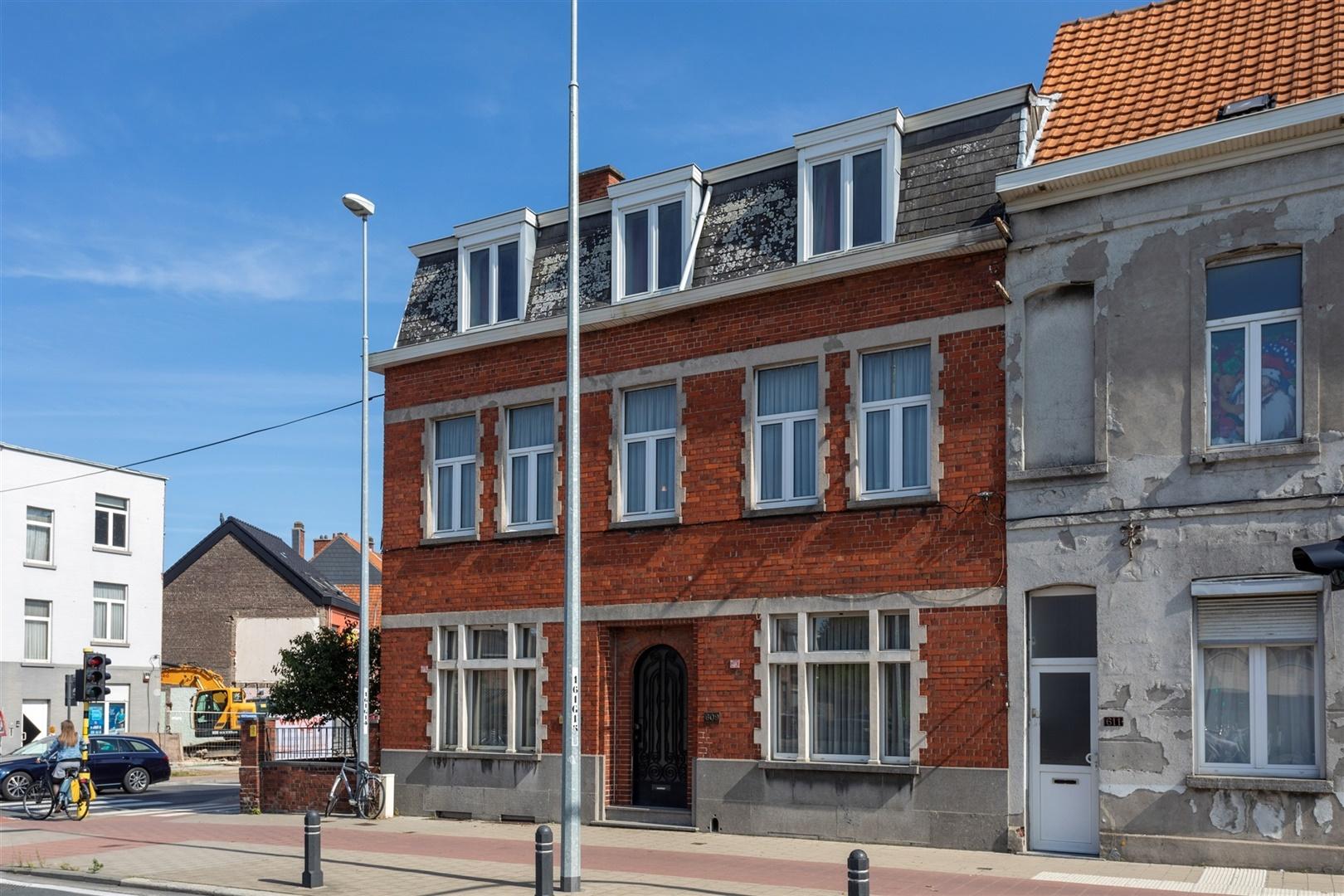 Volumineuze burgerwoning op interessante ligging in Gentbrugge
