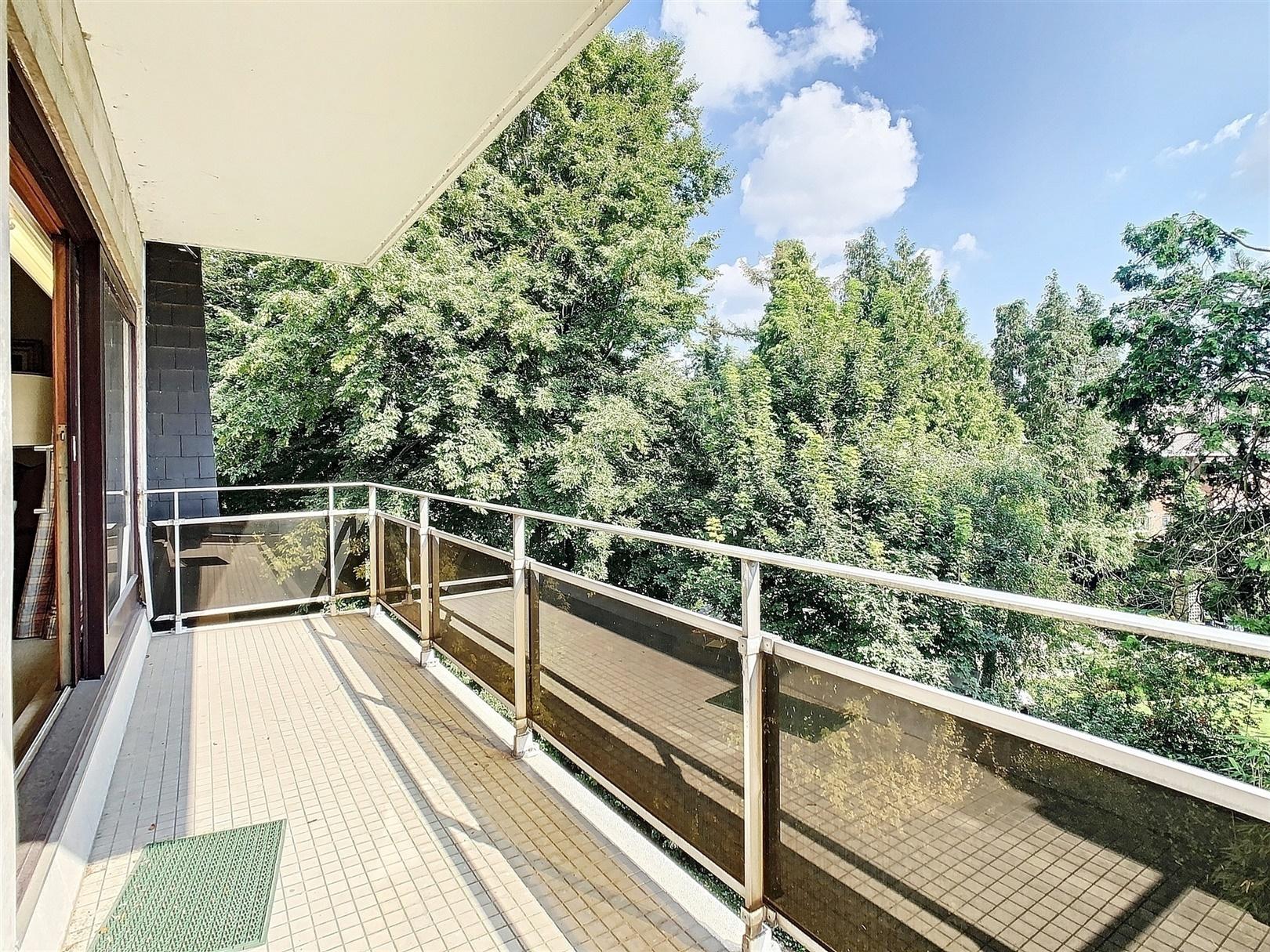 Charmant 2-slaapkamer appartement met twee terrassen